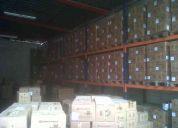 Alquilo espacios para almacenar con techo y sin techo