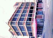 Alquilo local  libre 3 pisos