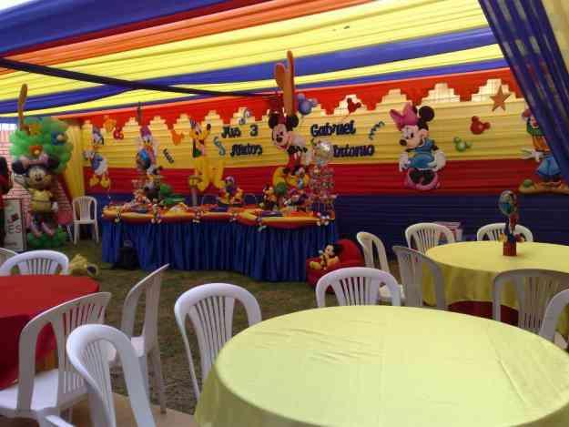 Decoraciones de mickey mouse y la casa de play house en - Decoracion fiestas infantiles en casa ...