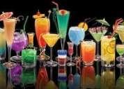 Joven profesional ofrece sus servicios particulares de barman para todo tipo de eventos