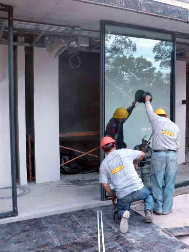 Vidrios de ventanas y puertas ventas instalacion for Instalacion de puertas