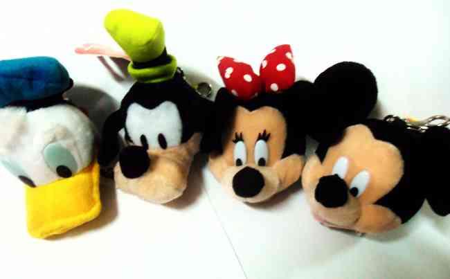 LLaveros de la colección Mickey con voz al por mayor.