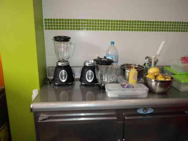 Socio para cafeter a jugueria o restaurante en lima lima for Sillas para fuente de soda