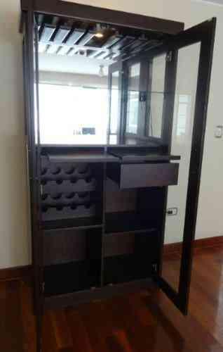 Remato mueble bar moderno medidas 2m alto x 1 m ancho y for Mueble bar moderno