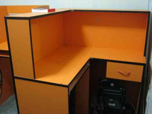 Remato por viaje juego de muebles para cabina de internet for Compra de muebles por internet