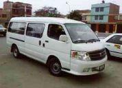 Servicio de transporte de personal y paseos