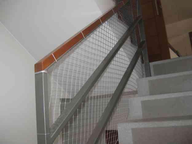 Mallas de seguridad para ni os celular 985598900 rpm - Proteccion escaleras ninos ...