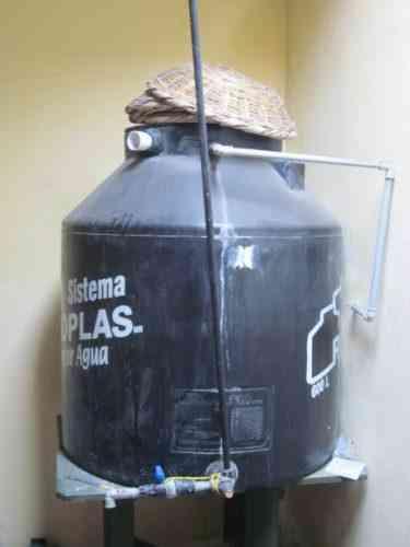 Tanque de agua de 600 litros marca rotoplas lima for Tanque de agua rotoplas