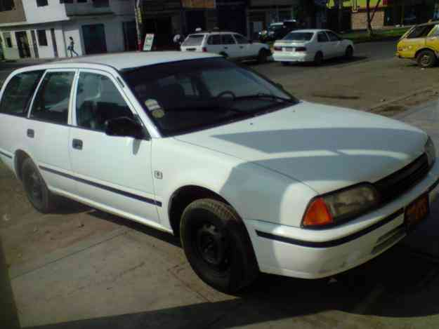 Vendo nissan station wagon 97 $ 5,500 USD