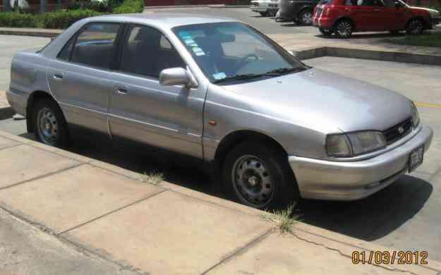 Hyundai elantra 1992 $ 3,800 USD