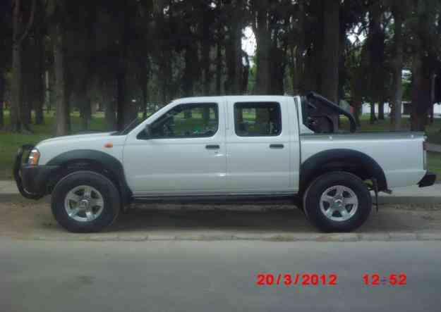 Camioneta nissan frontier doble cabina año 2011 $ 23,000 USD