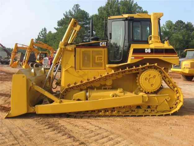 Maquinaria pesada caterpillar y komatsu financiada hasta en 80 meses con una tasa del 2,4% S/. 0.00