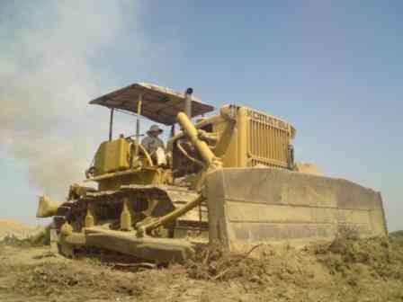 Vendo bulldozer komatsu d 85-a120 S/. 0.00