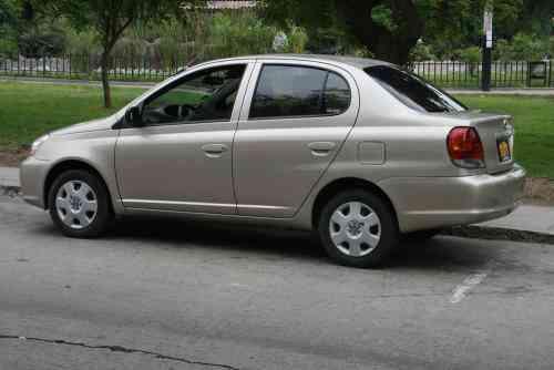 Toyota yaris 2005 - venta $ 9,100 USD