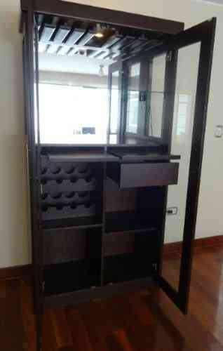 Remato mueble bar moderno 1 300 soles 2m x 1m x 47 cm for Muebles para bar modernos