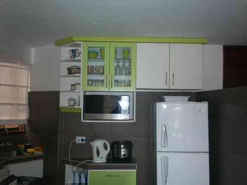 Fotos de muebles en melamina reposteros en melamina for Modelos de zapateros en melamina