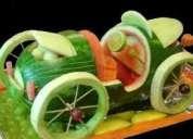 Curso de escultura en hielo, frutas y verduras.