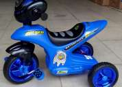 Vendo triciclo modelo moto