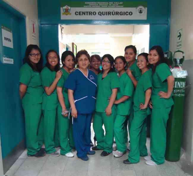 Enfermeras Tecnicas Geriatras - Cuidan Pacientes de Geriatria Con Plena Vocacion-Dedicacion